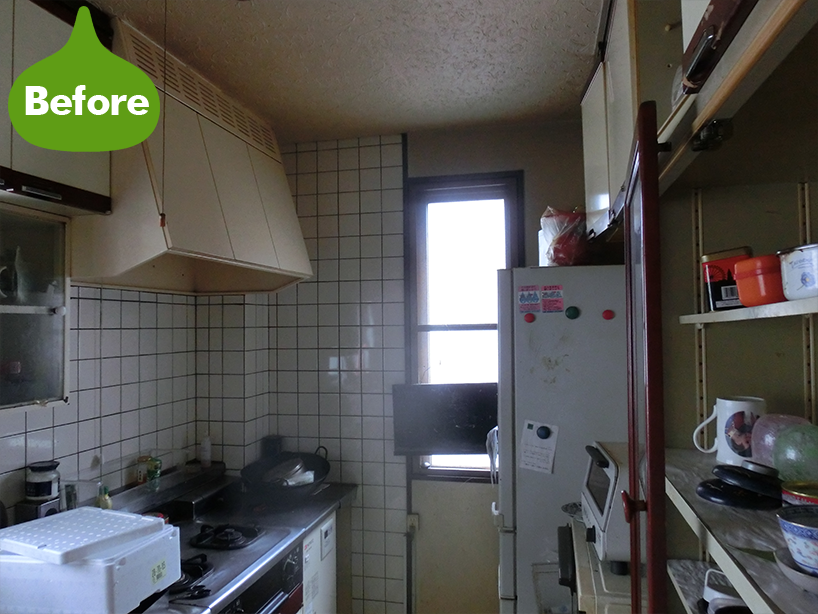 キッチンと壁紙クロス・畳・フローリング一新工事 雰囲気ある空間 -川崎市幸区